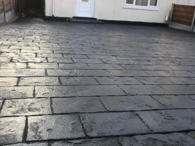 New London Cobble Pattern Imprinted Concrete Driveway in Wythenshawe