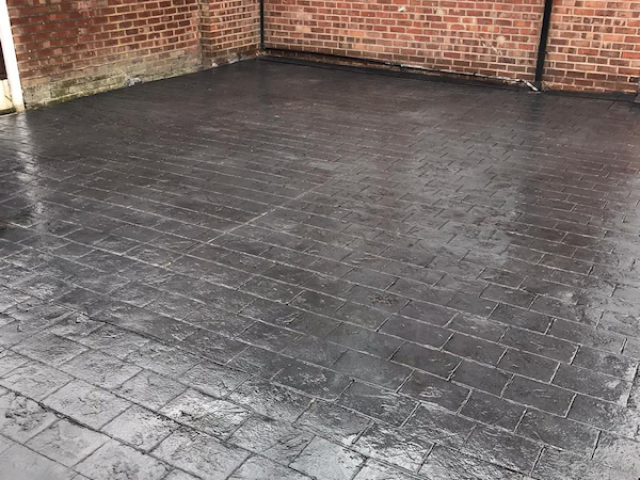 Pattern imprinted concrete driveway in Brooklands